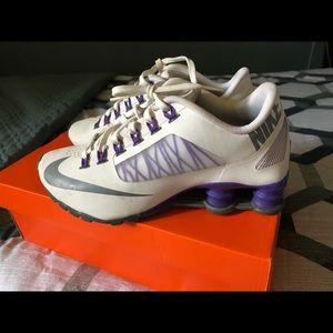 Women's Nike Shox 6.5